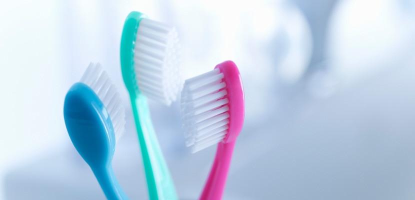 Alegerea periutei de dinti potrivite