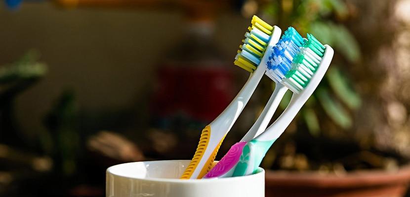 Schimbarea periutei de dinti